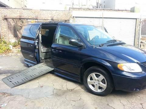2005 Dodge Grand Caravan SXT - Find Your Own Road.