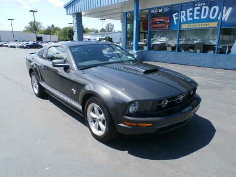 2009 Ford Mustang 2 Door Coupe