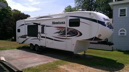2010 Keystone Montana Hickory Ed. 3000RK