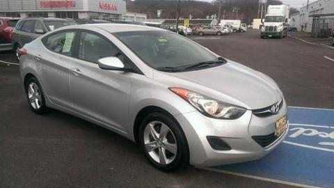 2011 HYUNDAI ELANTRA 4 DOOR SEDAN