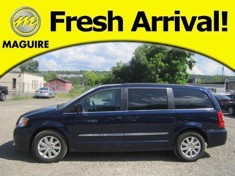 2016 Chrysler Town & Country 4 Door Passenger Van