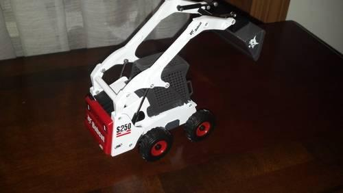 Bobcat S-250 Skidsteer Toy Collectable