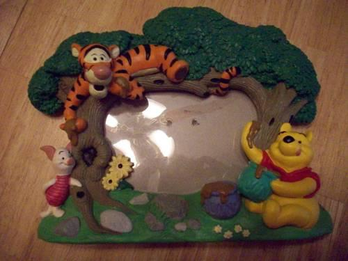Disney Winnie the Pooh Piglet Tigger picture frame w 3D figures in ...