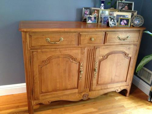 Ethan Allen 3 piece Wall Unit/China Cabinet