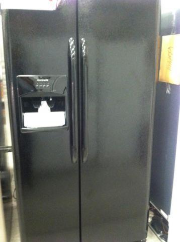 FRIGIDAIRE BLACK SIDE BY SIDE FRIDGE WITH WATER AND ICE MAKER