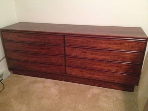 Gorgeous solid Rosewood mid-century dresser from Scandanavia