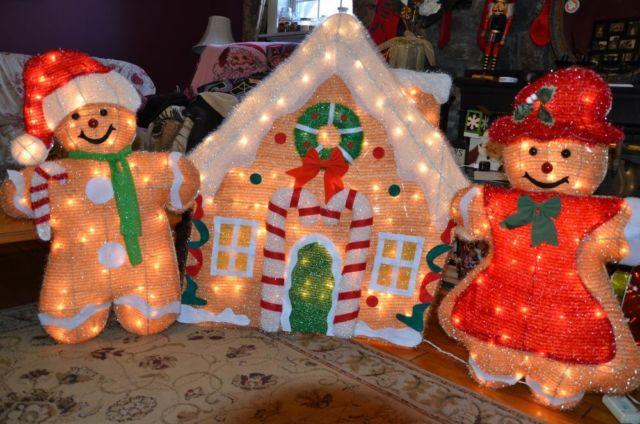 Home Accents Holiday 200 light Tinsel Gingerbread House and Family