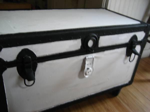 Large Vintage Trunk with wheels & plenty of room for storge!