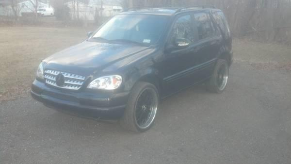 Mercedes ML430 with 22