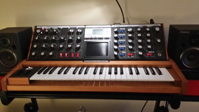 piaggero Yamaha Np-31 keyboard