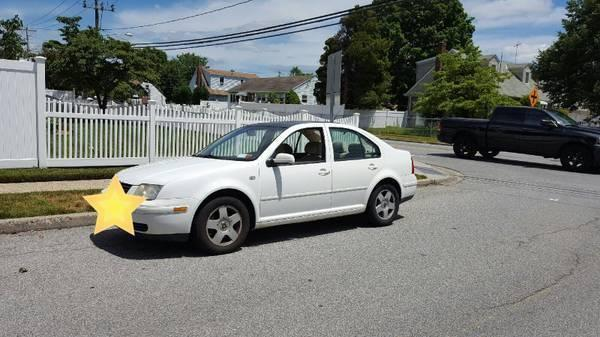 White 2002 Volkswagen Jetta in Great Condition