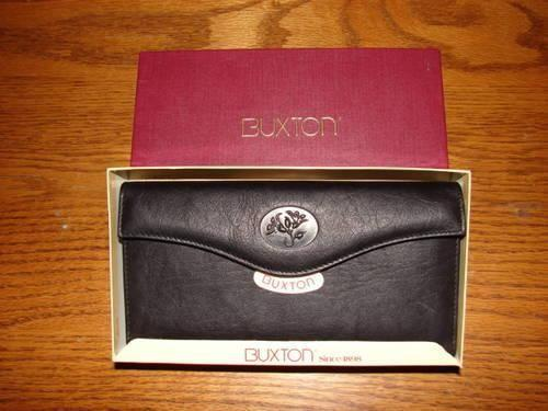 Women's Checkbook Buxton Leather Wallet - New
