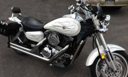 2003 Kawasaki Vulcan Mean Streak 1500cc 13220 miles White w/Pinstripes BUB Exhaust, Small Saddle Bags, Back Rest, Windshield, Custom Grips & Foot Peg to Match Call our staff today at: 315-788-6900 http://smmotorsportsny.com/sandmmotorsports/bikes.htm