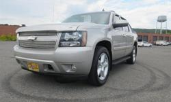 To learn more about the vehicle, please follow this link: http://used-auto-4-sale.com/108382332.html New Arrival! 4WD, Low miles for a 2008! Multi-Zone Air Conditioning, Satellite Radio, Steering Wheel Controls, Aux Audio Input, Automatic Headlights NHTSA