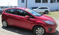 To learn more about the vehicle, please follow this link: http://used-auto-4-sale.com/108762380.html ***CLEAN VEHICLE HISTORY REPORT*** and ***PRICE REDUCED***. Fiesta SE, 4D Hatchback, 1.6L I4 Ti-VCT, and Automatic. Get yourself in here! Stop clicking