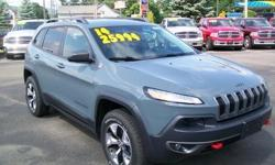 To learn more about the vehicle, please follow this link: http://used-auto-4-sale.com/108762245.html ***CLEAN VEHICLE HISTORY REPORT***, ***ONE OWNER***, and ***PRICE REDUCED***. Cherokee Trailhawk, 3.2L V6, 9-Speed 948TE Automatic, and Green. Stop