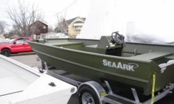 2014 sea ark aluminum boat with f70hp Yamaha & galvanized trailer,center console with livewell.model 1872MV