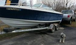 Call Boat Owner Nik 817-948-3642. Engine Rebuilt in 2011. Boat Lying in NY 14901.Ok, this is my 86 Four Winns 210 Santara. It is a 21' open bow and is essentially the same thing as a Liberator, just with an open bow instead of the cuddy. I bought this