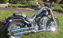 THIS IS A BRAND NEW, UNREGISTERED 2013 FATBOY LEFTOVER. THE ORIGINAL PRICE TAG, INCLUDING FREIGHT AND ASSEMBLY WAS $18,149.00 BUY IT NOW FOR $15,900.00 !! The 2013 Harley-Davidson® Softail® Fat Boy® FLSTF model is one of the quintessential cruiser