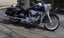 2012 ROAD KING CLASSIC ADULT OWNED ORIGINAL OWNER. ONLY 2900 miles. BLACK AND CHROME. EXCELLENT CONDITION. TO MANY EXTRAS TO LIST. CLEAN TITLE IN HAND. This ad was posted with the eBay Classifieds mobile app.