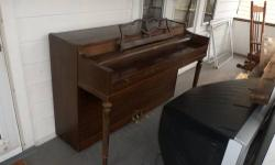 SOLID PIANO ALL KEYS IN GOOD SHAPE. NEEDS TO BE TUNE. MOVING MUST GO! BEST TO REACH ME BY PNONE. 585-351-7187 OR 585-456-9026 THANKS JIM