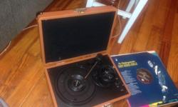 PYLE-HOME Retro Belt-Drive Turntable and Records Portable Pyle record player turntable. Similar to Crosley portable record player. RUNS ON BATTERY! PYLE-HOME PVTT2UWD Retro Belt-Drive Turntable with USB-to-PC Connection. Scroll down for specs. Comes with