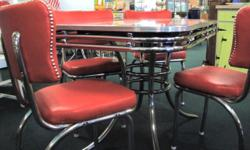 Table - vintage - 4 chairs included - retro red Size: 30w x 48L ----------------- See it today at: ReHouse Architectural Salvage 469 W Ridge Rd, Rochester, NY 14615 Tel: (585)288-3080 rehouseny.com ------------------------- #69799